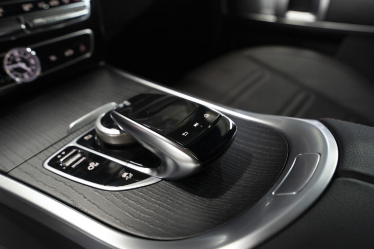 Защита кузова, тонировка стекол и шумоизоляция автомобиля Mercedes-Benz G-класс