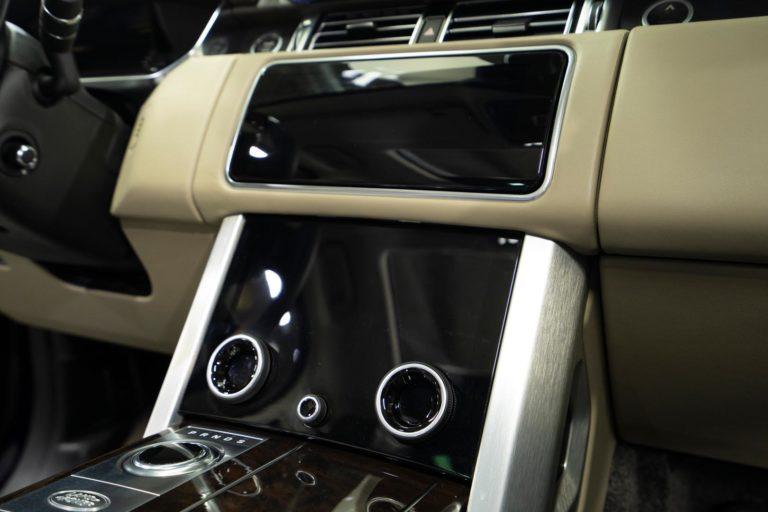 Защита всего кузова Range Rover Vogue антигравийной пленкой Llumar PPF Platinum